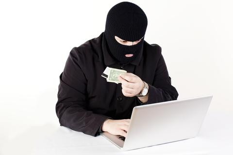 """深夜に届いたかservice@paypal.comからの""""スパム""""メールの正体とは?"""